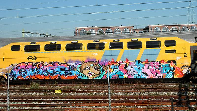 Grote graffiti op ns treinen