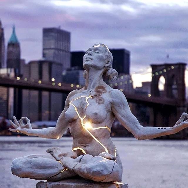 Zen Standbeeld, New York