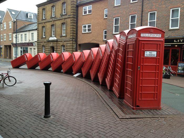 standbeeld telefooncellen, Kingston London