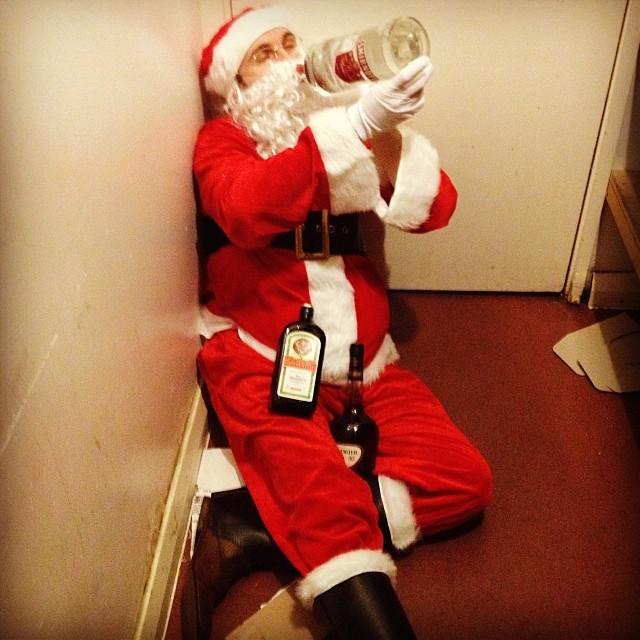 Ongepaste kerstmannen: dronken kerstman